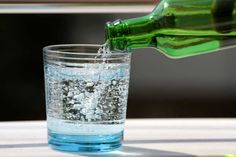 Club Soda and Sparkling Water are two among several types of carbonated water. Both drinks contain minerals as well as carbon dioxide Center Blog, Smoothie Recipes, Smoothies, Air Mineral, Carbonated Drinks, Hygiene, Dog Recipes, Healthy Dog Treats, Home Remedies