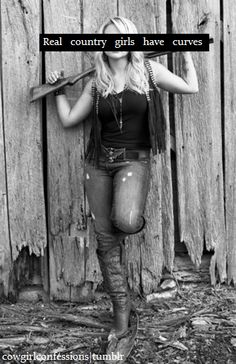 Curvy, confident, and country! Never afraid to be herself and her confidence and rockstar personality are truly inspirational! Miranda Lambert My Idol! Senior Pics, Senior Portraits, Senior Year, Real Country Girls, Country Life, Country Strong, Country Girl Pictures, Country Living, Cowgirls