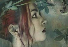 Mariposa ebria, la tarde, giraba sobre nuestras cabezas estrechando sus círculos de nubes blancas hacia el vértice áspero de tu boca que se abría frente al mar alineando sus blancos lobeznos.  Alfonsina Storni