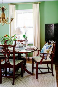 Blue And White Home U2013 Page 6 U2013 A Blog Devoted To Interiors Dining Room Table
