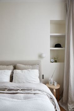 calm bedroom, white, neutrals, light beige