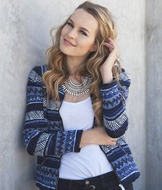 Bridgit Mendler - I wanna steel this girl's outfit <3