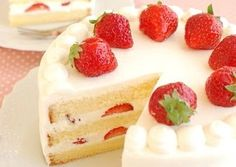 Indulgent Creamy Strawberry Shortcake Recipe - How are you today? How about making Indulgent Creamy Strawberry Shortcake? Strawberry Shortcake Recipes, Japanese Strawberry Shortcake, Strawberry Sweets, Strawberry Filling, Kinds Of Desserts, Salty Cake, Chocolate Cream, Chocolate Covered, Chocolate Art