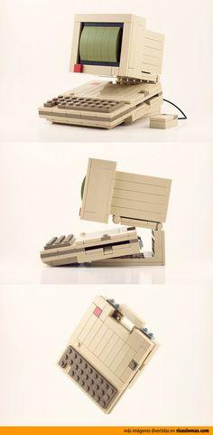 PC hecho con LEGO.