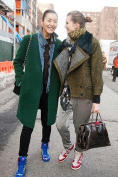 Liu Wen & Bette Franke street style at New York Fashion Week. Street Style Trends, Street Style Inspiration, Inspiration Mode, Sport Fashion, Fitness Fashion, Love Fashion, Womens Fashion, Looks Style, Style Me