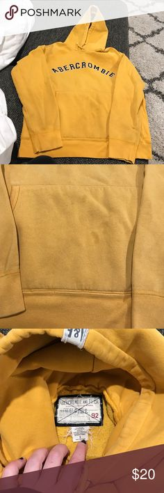 Abercrombie sweatshirt Abercrombie sweatshirt.   Slight discoloration on front pouch. Abercrombie & Fitch Shirts Sweatshirts & Hoodies