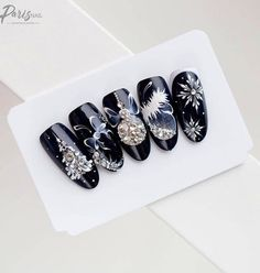 50 Winter Nail Art Designs 2019 50 Winter Nail Art Designs 2019 These trendy Nails ideas would gain you amazing compliments. Check out our gallery for more ideas these are trendy this year. Xmas Nails, New Year's Nails, Holiday Nails, Christmas Nails, Christmas Tree, Christmas Nail Art Designs, Winter Nail Designs, Cool Nail Designs, Christmas Patterns