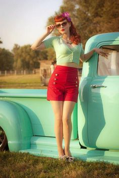 Vibrant colored Rockabilly Pin up inspiration. Moda Rockabilly, Rockabilly Style, Rockabilly Fashion, Retro Fashion, Vintage Fashion, Womens Fashion, Rockabilly Girls, Rockabilly Shoes, Rockabilly Dresses