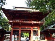 茨城県鹿嶋市宮中にある鹿島神宮は全国にある鹿島神社の総本社で関東では最も古い社です  千葉県の香取神宮とともに関東の東の護りを担っている重要な神社で創建はなんと紀元前660年 ご祭神は武甕槌大神たけみかづちのおおかみ神話界最強の武神です  関東有数のパワースポットとして多くの人に大人気 美しい湧き水の御手洗池国歌君が代に登場するさざれ石もこの地にあるので必見です  tags[茨城県]