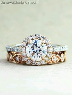 Absolutely the most stunning engagement ring and wedding band set #lovelovelove