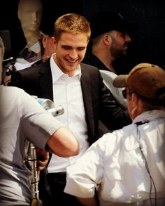 Rob Pattinson filming 'Maps To The Stars' in L.A. - August 2013