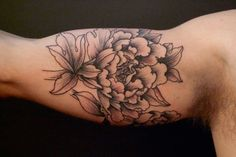 Must get b/w floral ink from her one of these days...    Tattoo | Stephanie Tamez