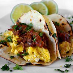Orange And Beer Braised Pork Carnitas Breakfast Tacos - Honest Cooking Mexican Breakfast, Breakfast Tacos, Breakfast Menu, Breakfast Time, Best Breakfast, Breakfast Recipes, Breakfast Healthy, Health Breakfast, Breakfast Catering