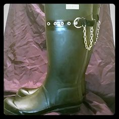 Guess Brand Rain boots More pics, some scuffs on left boot but probably can be buffed out. Guess Shoes Winter & Rain Boots
