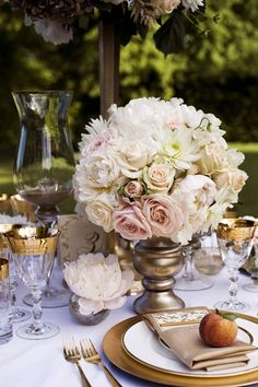 vintage romantic reception wedding flowers,  wedding decor, wedding flower centerpiece, wedding flower arrangement, add pic source on comment and we will update it. www.myfloweraffair.com can create this beautiful wedding flower look.