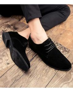Discover recipes, home ideas, style inspiration and other ideas to try. Mens Wingtip Shoes, Loafers Men, Suede Leather, Black Suede, Black Shoes, Semi Formal Shoes, Leather Dress Shoes, Mens Patent Leather Shoes, Business Casual Shoes