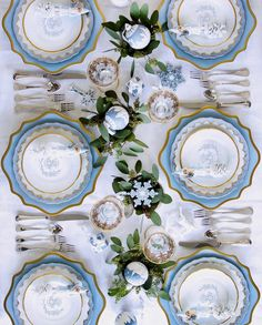 Wedding China, Willow House, Copper Lamps, Table Manners, Entertainment Table, Christmas Entertaining, Beautiful Table Settings, China Patterns, My Favorite Color