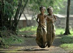 """""""Money is not happiness. No iPhone, no toys, no television and see their face"""" Sack Race, Photo Voyage, We Are The World, Cute Memes, Faith In Humanity, Look At You, Embedded Image Permalink, Make Me Smile, Laughter"""