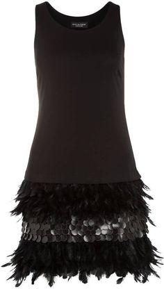 Pin for Later: Die schönsten Flapper-Kleider für jede Figur  Ana Alcazar Flapper-Kleid mit Paillettenbesatz und Federn (240 €)