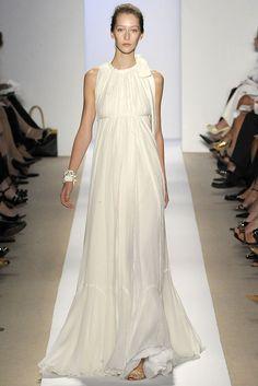Dennis Basso Spring 2009 Ready-to-Wear Fashion Show - Alana Zimmer