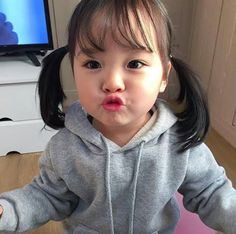 Read Que coisas lindas❤ from the story 𝐹𝒾𝓁𝒽𝑜𝓈(𝒶𝓈) 𝒹𝑜𝓈 𝒷𝓉𝓈 Cute Asian Babies, Korean Babies, Cute Korean Girl, Asian Kids, Cute Babies, Cute Little Baby, Little Babies, My Baby Girl, Couple With Baby