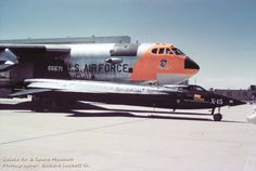 NB-52A, 52-0003 with X-15, 56-6670 at May 19, 1959 Edwards AFB Open House