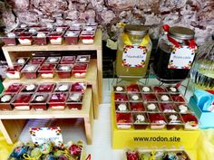 candy bar βάφτισης αγοριού www.rodon.site Chocolate Fondue, Cake Pops, Candy, Bar, Desserts, Food, Tailgate Desserts, Deserts, Essen