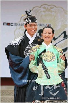 Yi San (Hangul: 이산; hanja: 李祘), also known as Lee San: The Wind of the Palace, is a 2007 South Korean historical drama, starring Lee Seo-jin and Han Ji-min. It aired onMBC from September 17, 2007 to June 16, 2008 on Mondays and Tuesdays 혜경궁홍씨