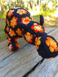 African Flower Crochet Dragon Pattern : Mini Heidi Bears Smaug the Dragon - motifs. Project ...