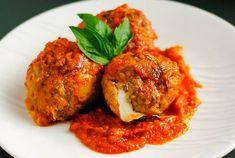 Tomato-Almond Pesto over Seared Chicken Meatball Recipes, Chili Recipes, Meat Recipes, Slow Cooker Recipes, Crockpot Recipes, Chicken Recipes, Vegan Dinner Recipes, Healthy Dessert Recipes, Italian Recipes