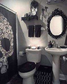Goth decor on perfection repost lifeafterdeathdesigns after a rough morning i decided to cut out early and redecorate our guest bathroom amazing home gothic decor design ideas to create unique home Dark Home Decor, Goth Home Decor, Hippie Home Decor, Gothic Room, Gothic House, Gothic Bathroom Decor, Bedroom Decor, Goth Bedroom, Bedroom Office