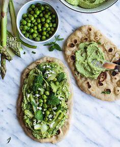Green Hummus and Naan
