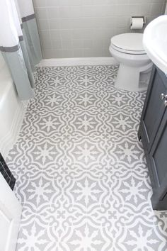 Bathroom Makeover Remodel - Painting Floor Tiles with Toledo Tile Stencil from Royal Design Studio - project by The Belmont Ranch Diy Kitchen Decor, Kitchen Design, Kitchen Ideas, Bathroom Inspiration, Kitchen Layout, Kitchen Hacks, Stenciled Floor, Floor Stencil, Diy Bathroom Remodel