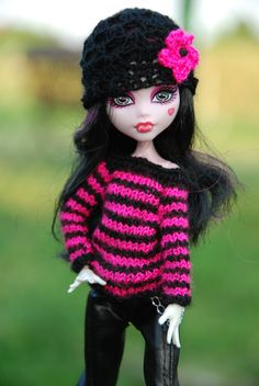 knit wavy sweater and cap for Monster High by LucieVran on Etsy