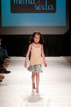 "Desfile ""D.I.Va"" Diseño Independiente de Valdivia 2012 y su apuesta por la apertura del diseño local Diva, Summer Dresses, Fashion, Summer Outfit, Aperture, Moda, Sundresses, La Mode, Fasion"
