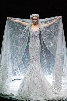 Alexander McQueen- I would kill to wear this dress or anything else he's ever made < 3