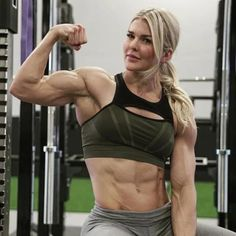 Crossfit Women, Fitness Photoshoot, Muscular Women, Workout Aesthetic, Strong Girls, Muscle Girls, Muscle Fitness, Female Athletes, Fitness Inspiration