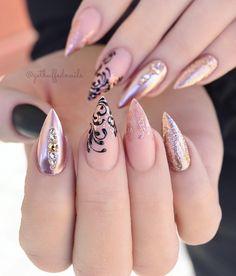 new ideas nails sencillas gold Rose Gold Nails, Matte Nails, Acrylic Nails, Coffin Nails, Uk Nails, Diva Nails, Solid Color Nails, Nail Colors, Classy Nails