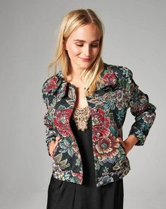 Burda Style Moda - Must-haves Coat Patterns, Sewing Patterns, Tweed, Facon, Coats For Women, Must Haves, Collars, Kimono Top, Jackets