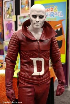 Deadman (2012) #sdcc Dc Cosplay, Comic Con Cosplay, Cosplay Makeup, Cosplay Style, Male Cosplay, Cool Costumes, Cosplay Costumes, Cosplay Outfits, Costume Ideas