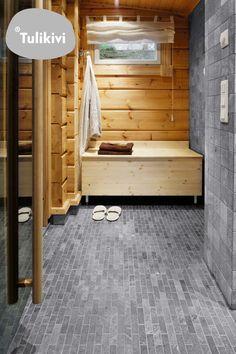 Pukuhuoneen maanläheinen ilme luonnollisilla materiaalivalinnoilla. Katso kuva, niin näet tarkemmat tiedot. Stone Bathroom, Master Bathroom, Soapstone Tile, Spa Rooms, Dream Bathrooms, Bathroom Inspiration, Natural Stones, Bathing, Toddler Bed