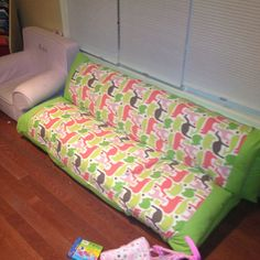 Pillow sofa lounger folds out three ways for kids tv/toy room Pillow Lounger, Sofa Pillows, Sewing Tutorials, Sewing Crafts, Sewing Projects, Toddler Furniture, Furniture Ideas, Playroom Ideas, Nursery Ideas