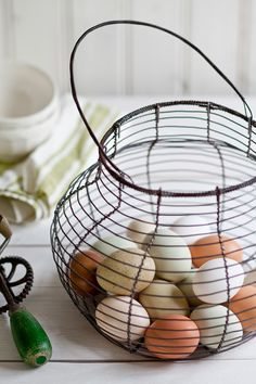Snyggare än en äggkartong 2.0 - Klassisk äggkorg i Fil de fer - Anna Lefvert - Ord & Bild