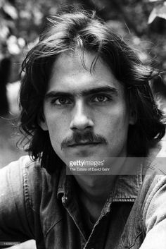 Singer and songwriter James Taylor poses for a portrait on June 10, 1970 in New York City, New York.