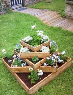 Beautiful Wooden Planters You Will Love To See In Your Yard - The ART in LIFE