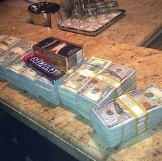 Money flows effortlessly with abundance to me Gold Money, My Money, How To Get Money, Cash Money, Money Stacks, Money Affirmations, Bank Account, Law Of Attraction, Abundance
