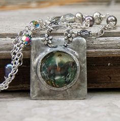 i need to learn how to make bezels like this - me too and i love the detail on the bail