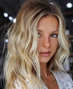 Amazing Blond Balayage Hair Colors For Long Hair In 2019 - Page 33 of 35 - Dazhimen Blonde Hair Extensions, Blonde Wig, Hair Inspo, Hair Inspiration, Colour Inspiration, Summer Blonde Hair, Summer Hairstyles, Cool Hairstyles, Dream Hair