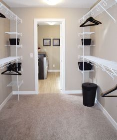 https://i.pinimg.com/236x/9a/79/34/9a793442c000e2af879777e8a509e87c--walk-in-wardrobe-walk-in-closet.jpg