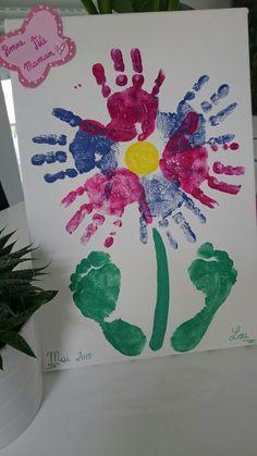 Fête des mères  Peinture de fleur avec empreintes mains pieds sur toile
